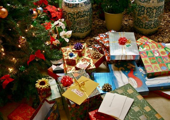 'Christmas Gifts' `photo`; `kelvin Kay
